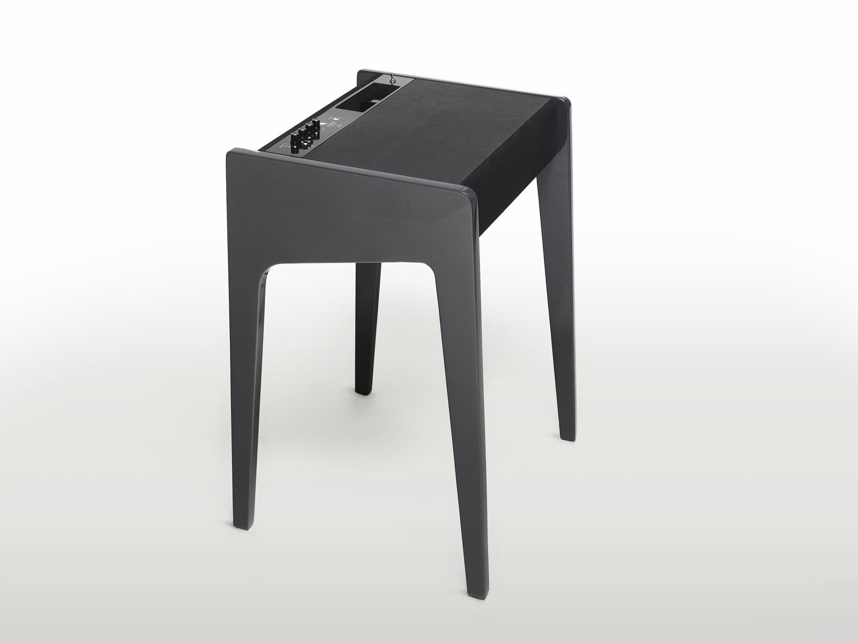 le ld 120 de chez la boite concept portables4gamers. Black Bedroom Furniture Sets. Home Design Ideas