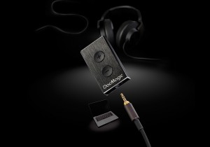 dacmagic-xs_-dark-close-up-headphone-mac-1382975277