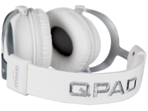 1024x768-QH90-White-headband-nobackground