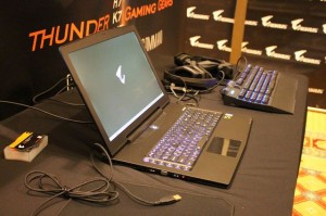 ces-2014-aorus-x6-notebook-gaming-2