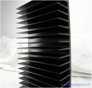 radiateur en aluminium anodisé noir